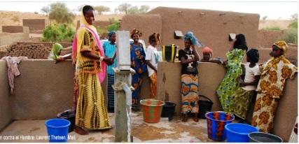 20120310115350-mujeres-agua-mali.jpg