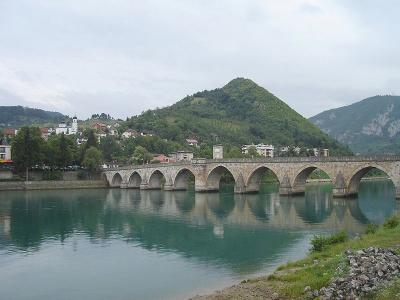 20160321115623-puente-mehmed-pa-a-sokolovi-.jpg