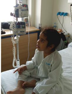 Una niña saharaui que lucha contra el cáncer